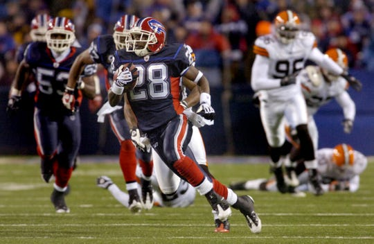 Leodis McKelvin returns  a kickoff for a TD in the fourth quarter against the Browns on Nov. 17, 2008.