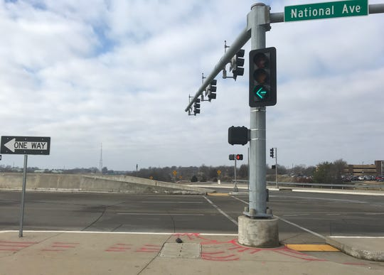 This is what the light  looks like when you can legally turn left onto southbound National Avenue at the diverging diamond at James River Expressway.  Some drivers are turning left on red.