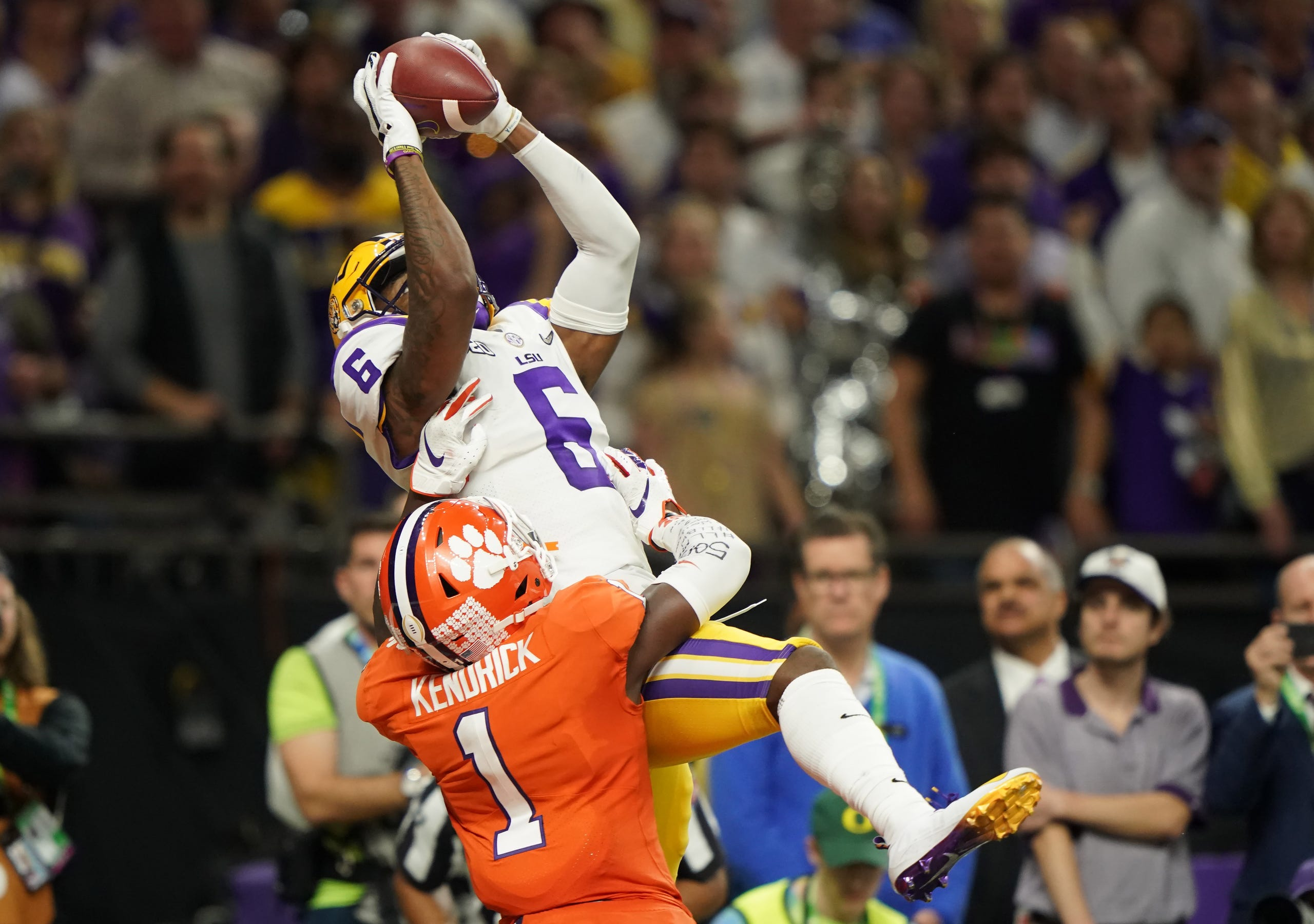 LSU Tigers wide receiver Terrace Marshall Jr. catches a touchdown in the fourth quarter.