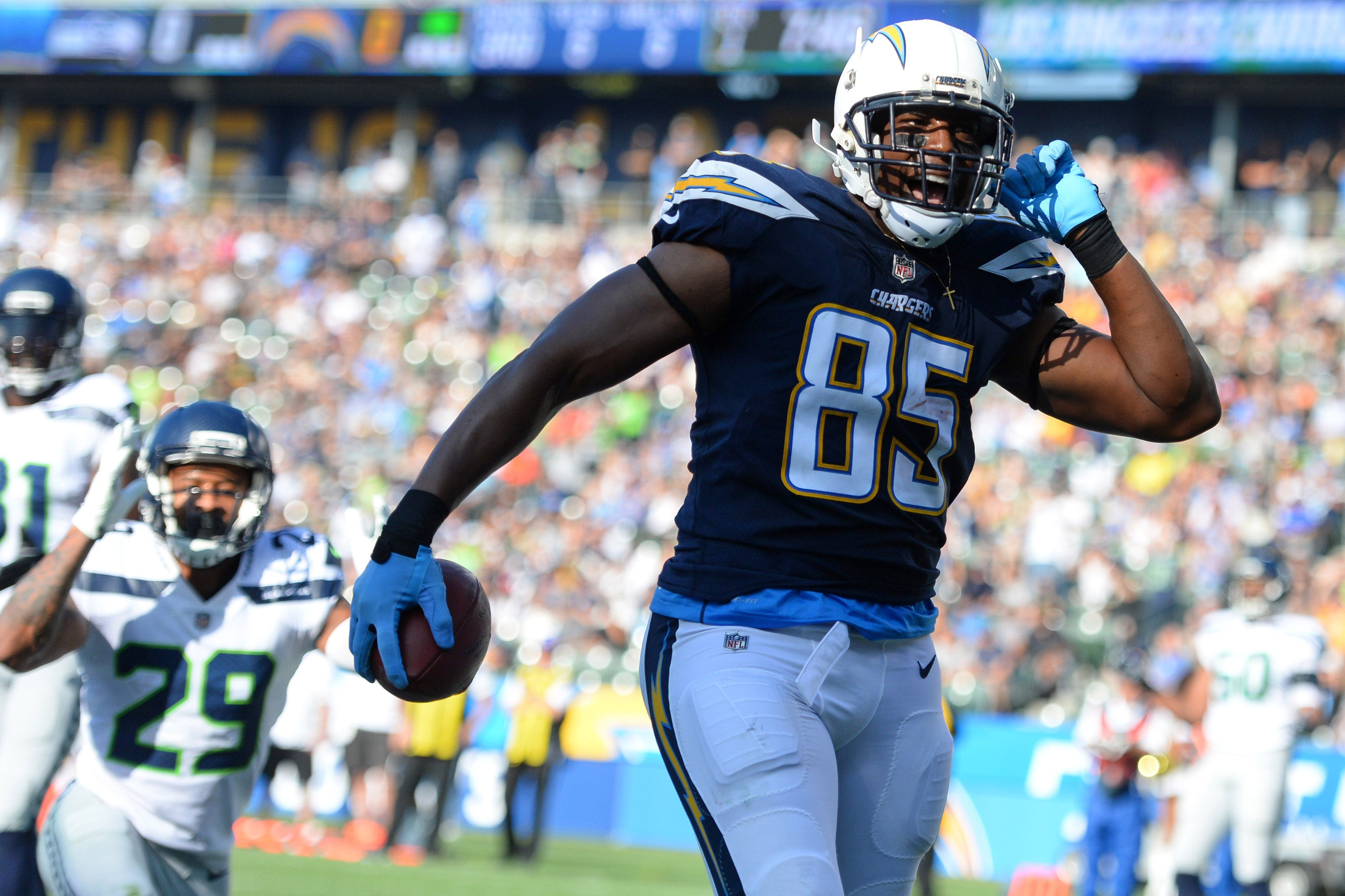 Antonio Gates retires from NFL after 16-year career with Chargers