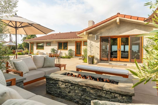 If the winner of the Love Home Swap contest chooses to go to Los Angeles, they'll stay in this four-bedroom Ranchos Palos Verdes home.