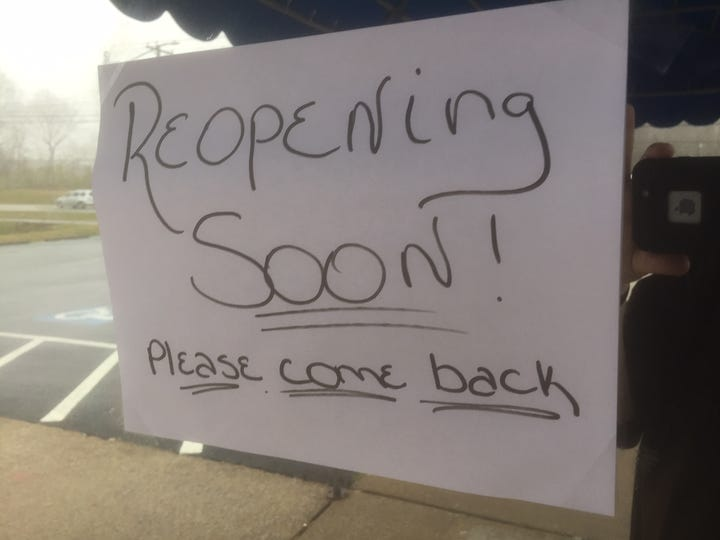 A sign on the door of Lisa's Country Kitchen in Henderson.