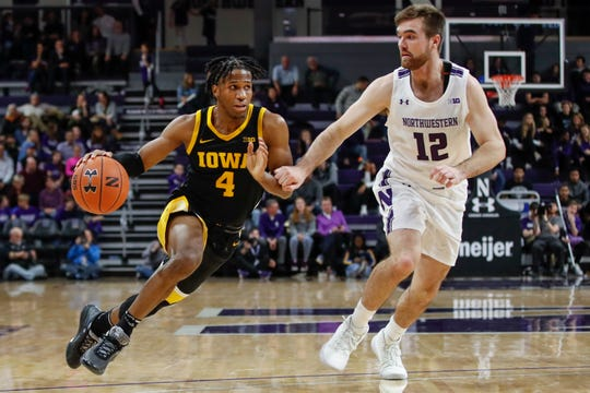 Bakari Evelyn (4) is finding a more prominent, valuable role as the season wears on. He had eight points, seven assists and no turnovers Tuesday.