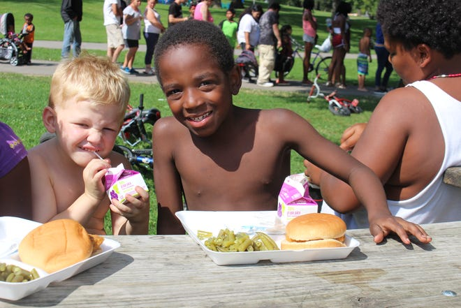 Kids in Milwaukee are able to enjoy healthy meals at a local Milwaukee summer meal site due to the partnership of Kohl's.  Since 2017, Kohl's has provided $750,000 a year to the Hunger Task Force.
