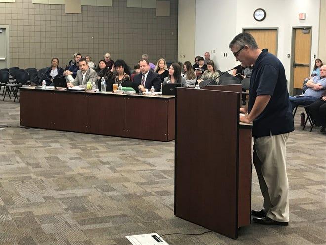 Arrowhead resident Nate Miller speaks at Deer Valley Unified School District meeting.