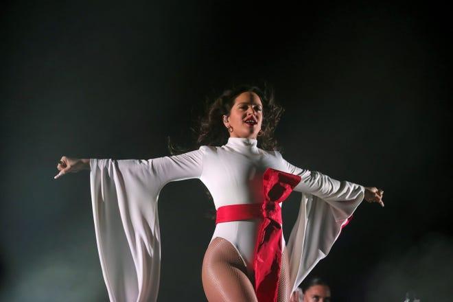 La cantante Rosalía ofrece en Madrid su primer concierto en el WiZink Center.