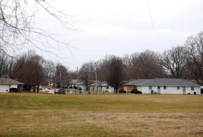 A planned development on a 3.6-acre lot at 2521 S. Holland Ave. is drawing the opposition of neighbors.