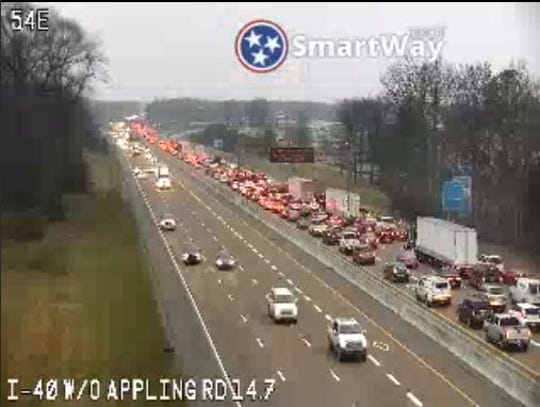 Traffic extends from North Germantown Parkway to Sycamore View Road on I-40 heading west.