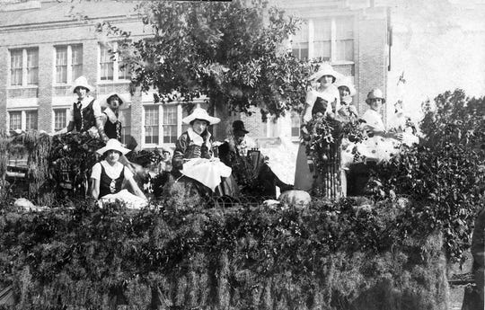 Acadian Float representing Evangeline products in the 1924 Cotton Carnival.