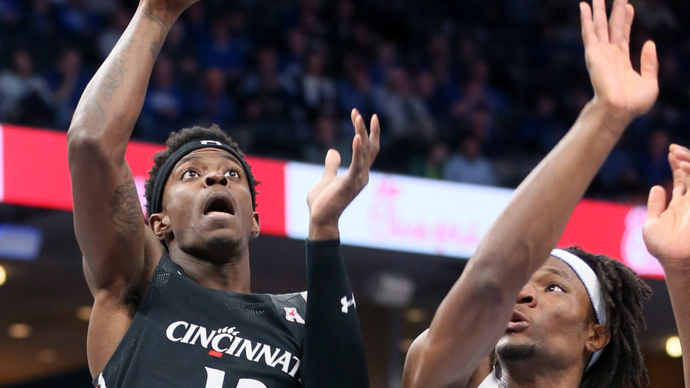 Cincinnati basketball folds down the stretch in loss at No. 22 Memphis