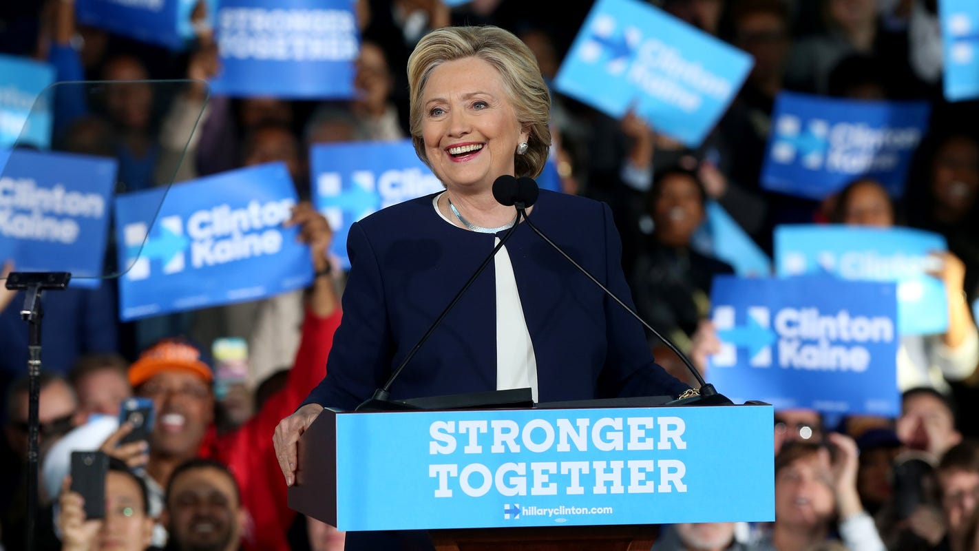 Michigan's Hillary Clinton backers from 2016 slightly favor one 2020 candidate financially