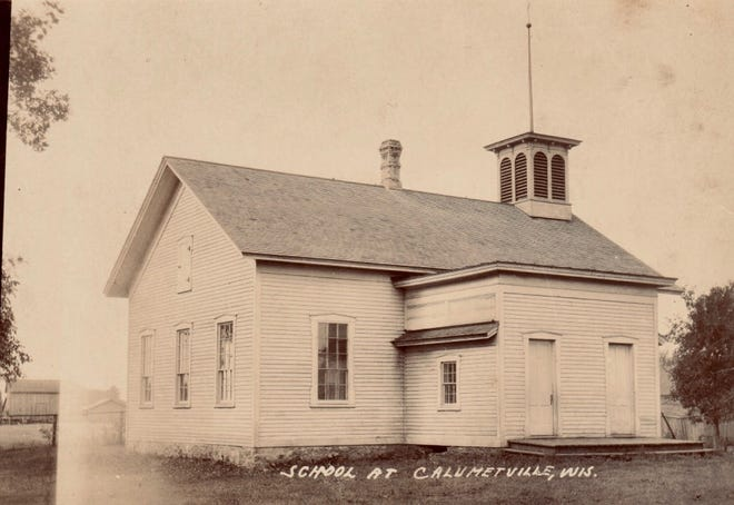 Artesia Schoolhouse in 1910.