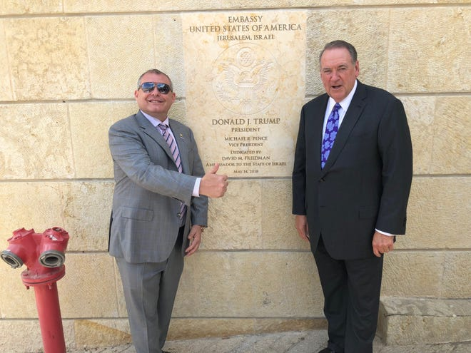 Photo of Mike Huckabee and Lev Parnas obtained by Florida attorney Daniel Uhlfelder.