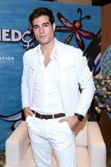 Danilo vive a plenitud su noviazgo con Michelle Renaud, de quien está muy enamorado.