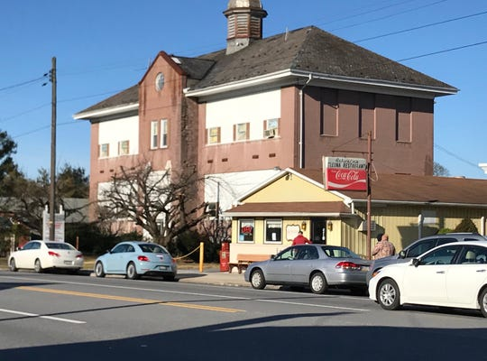 Schwalm's Cleona Restaurant on Route 422. The white car in the far right corner of this photo is in the travelling lane, while the other cars are parked along the shoulder.