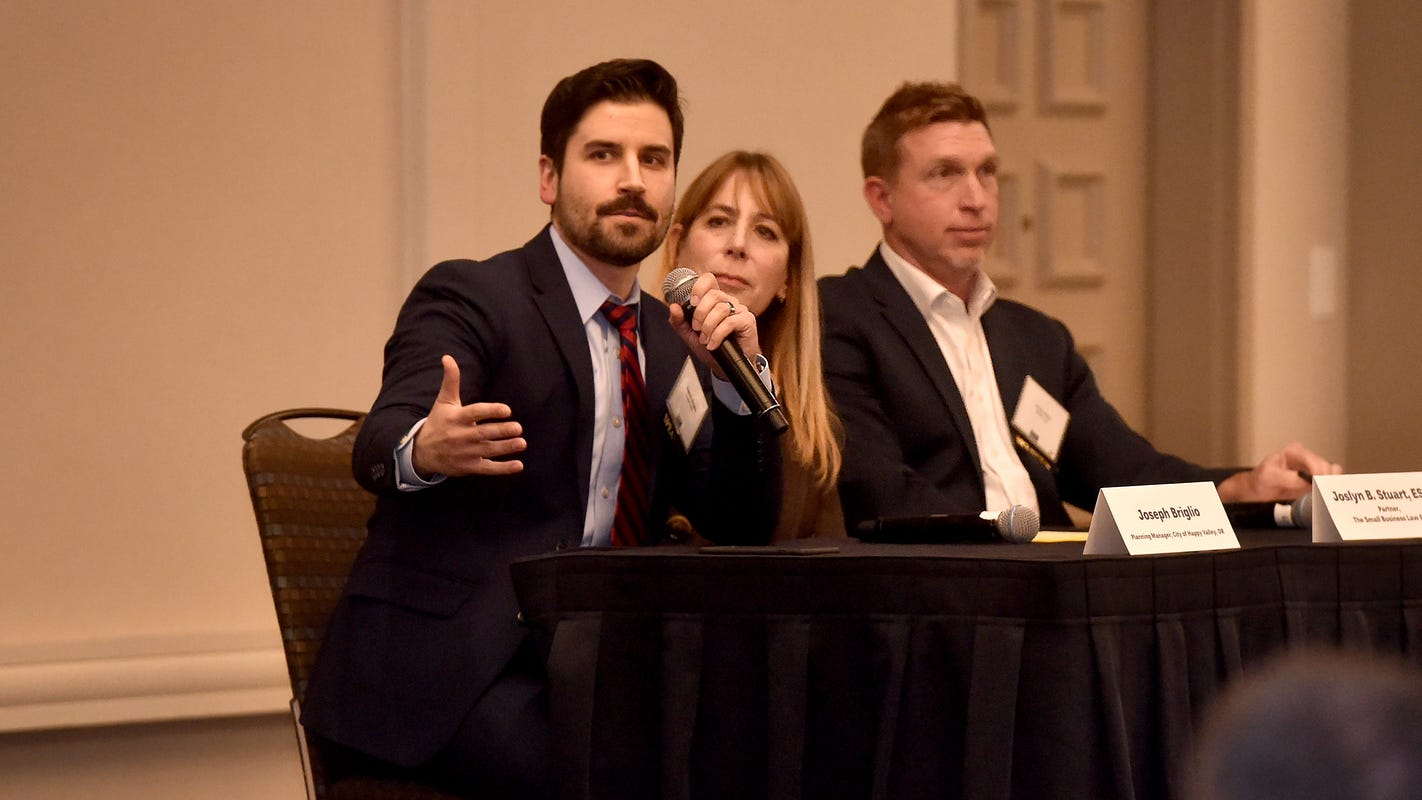 Panel of current and former Ventura County residents discuss region's economic future