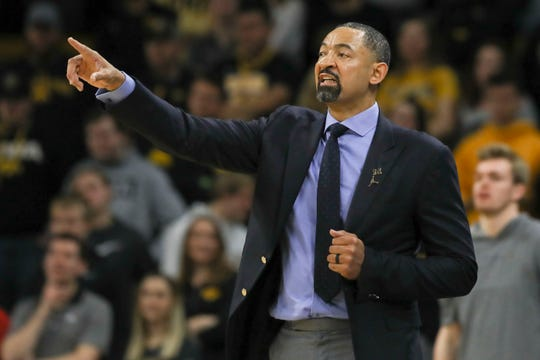 Michigan coach Juwan Howard shouts to directions during the first half against Iowa on Friday, Jan. 17, 2020, in Iowa City, Iowa.