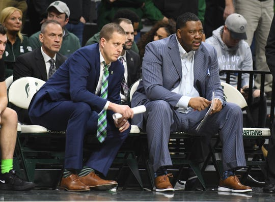 Michigan State assistant coach Dwayne Stephens, right, lost his father to COVID-19 this week.