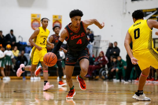 Donivan Peoples and Detroit Douglass are No. 15 in the State Super 20 Detroit News boys basketball rankings.