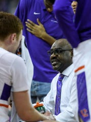 Bennie Seltzer, University of Evansville's interim head coach, talks to his team during a timeout in the second half against the Missouri State Bears at Ford Center in Evansville, Ind., Saturday, Jan. 18, 2020. The Purple Aces fell 68-58 to the Bears.