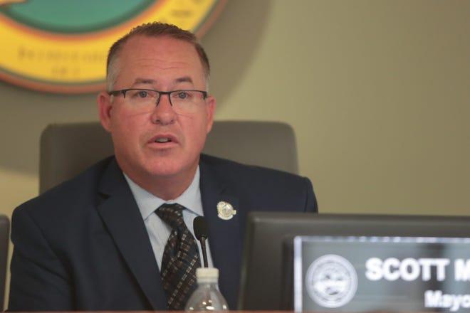 Mayor Scott Matas speaks at a Desert Hot Springs City Council meeting in 2019.