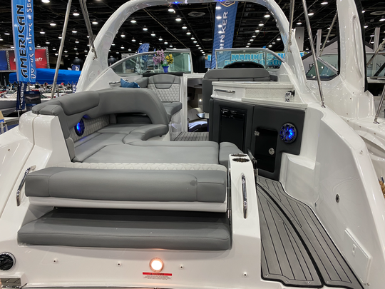 2020 Rinker 290 EX at the Detroit Boat Show on Jan. 18