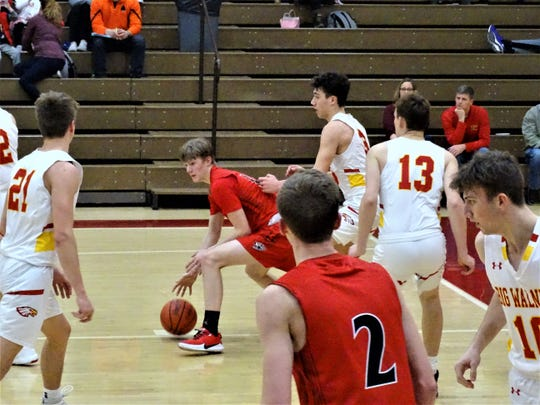 Fairfield Union's Charlie Bean dribbles in the paint against Big Walnut on Saturday in a non-conference game.