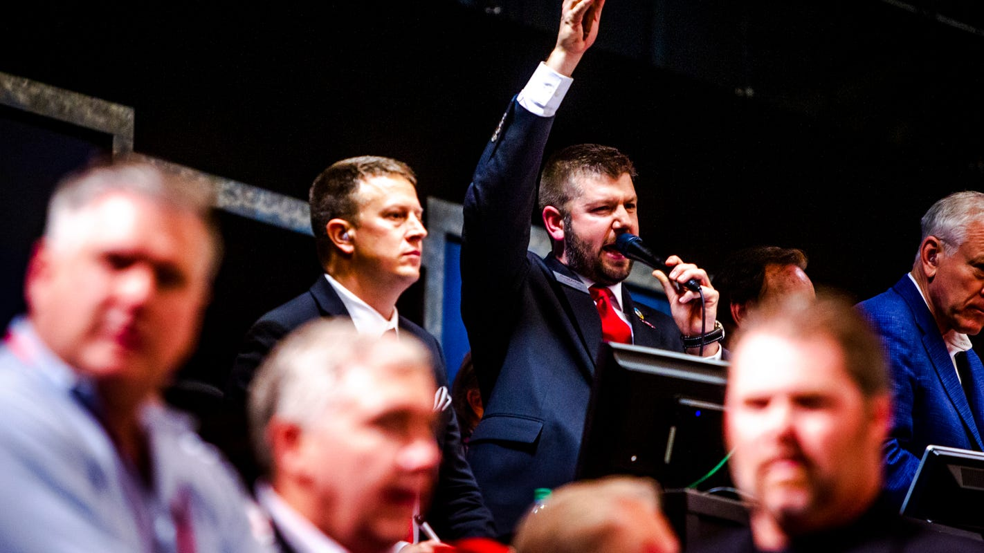 How do they do that? A Barrett-Jackson auctioneer's tips for talking and selling fast