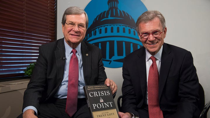 Former Senate leaders Trent Lott, left, and Tom Daschle, here in 2016, navigated President Bill Clinton's impeachment trial in 1999.