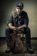 Mike Munson takes the stage at 7:30 p.m. Friday, Jan. 24, and Munson beginning at 8:30 p.m.