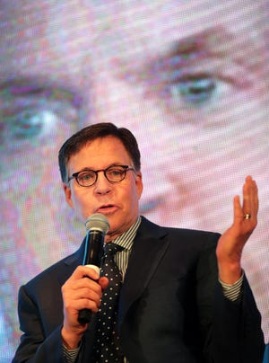 Broadcaster Bob Costas speaks during the 55th annual Red Smith Sports Awards on Jan. 15, 2020, at the Red Lion Hotel Paper Valley in Appleton.