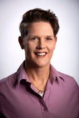 Il nuovo membro del comitato editoriale di Cincinnati Enquirer, Bonnie Jane Feldkamp, si trova all'Enquirer Studio nel centro di Cincinnati martedì 21 gennaio 2020.