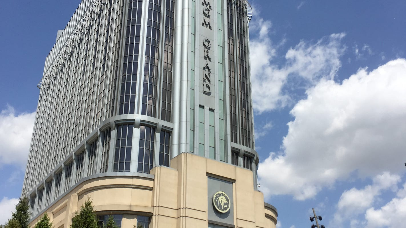Detroit casinos post record revenues ahead of sports-betting legalization