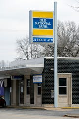 Old National Bank will close the Lincoln Avenue branch near the University of Evansville in the spring of 2020.