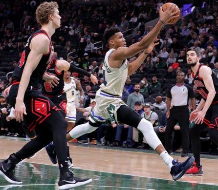 Bucks take 7-game winning streak worldwide: They'll play in Paris this week