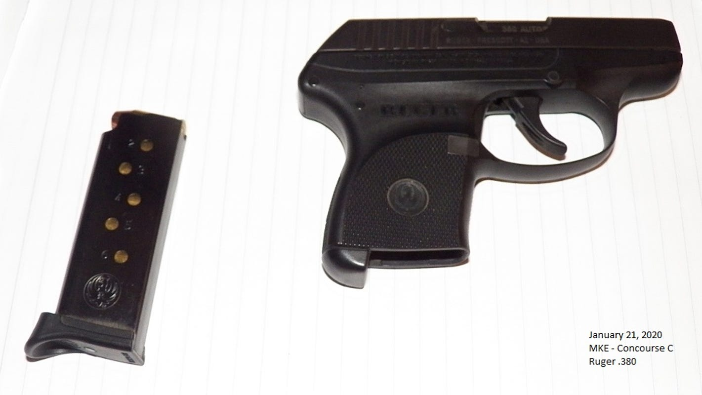 TSA agents find loaded handgun in jacket pocket of Mequon man at airport checkpoint