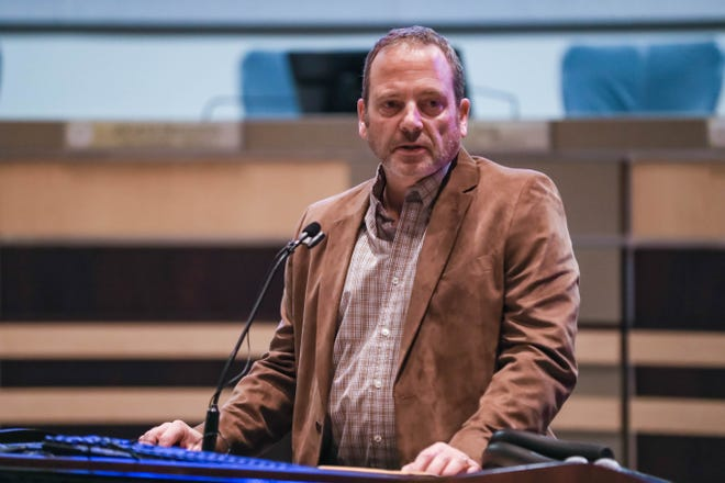 Mike Watters, director of operations for Big Tuna USA speaks in the Las Cruces City Council Chambers on Tuesday, Jan. 21, 2020.