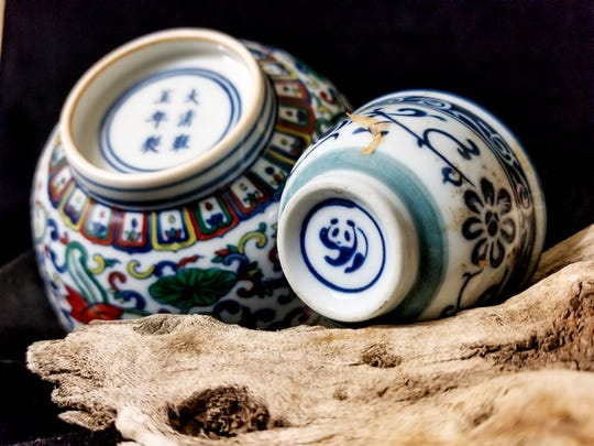 Chinese porcelain hallmarks come in a range of sizes.
