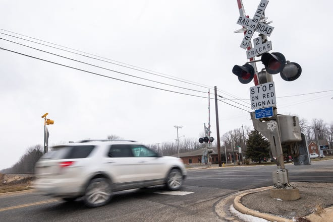 The Federal Railroad Administration is launching a new website that will allow the public to report blocked railroad crossings as they happen. According to Emmett Fire Chief Jerry Nuss, the railroad crossings on M-19 in Emmett delayed first responders three times last year.