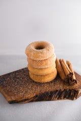 La dona sabor churro de Hole Foods Vegan Donut.