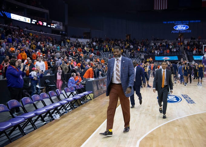 University of Evansville Head Basketball Coach Walter McCarty leaves the court for the last time as coach after they beat the Murray State Racers 78-76 at Ford Center in Evansville, Ind., Saturday, Dec. 21, 2019. McCarty was fired for alleged Title IX violations Jan. 20, 2020.
