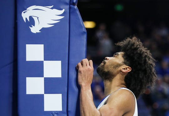 Kentucky's Nick Richards pounds the goalpost pad after he drew the foul against Georgia Tuesday night at Rupp Arena in Lexington. Richards finished with 20 points and eight rebounds.