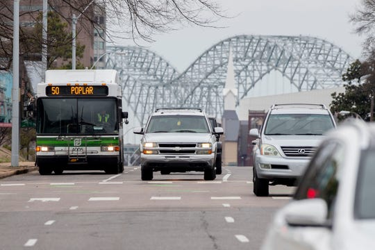 A eastbound Memphis Area Transit Authority bus approaches Manassas Street on Poplar Avenue on  Jan. 22, 2020.