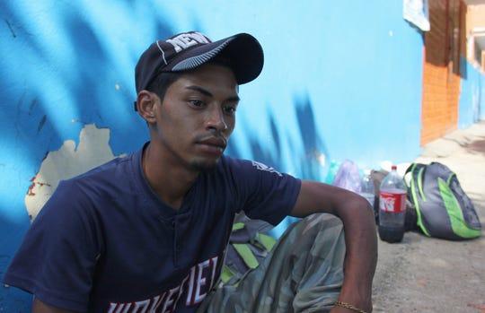 Fotografía fechada el 21 de enero del 2020 de Erson, migrante de origen hondureño, que se encuentra a la espera de resolver su situación migratoria, en el albergue Belén en la ciudad de Tapachula en el estado de Chiapas (México).