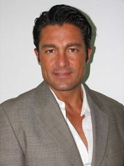 Fernando Colunga se suma al elenco de estrellas de Telemundo.