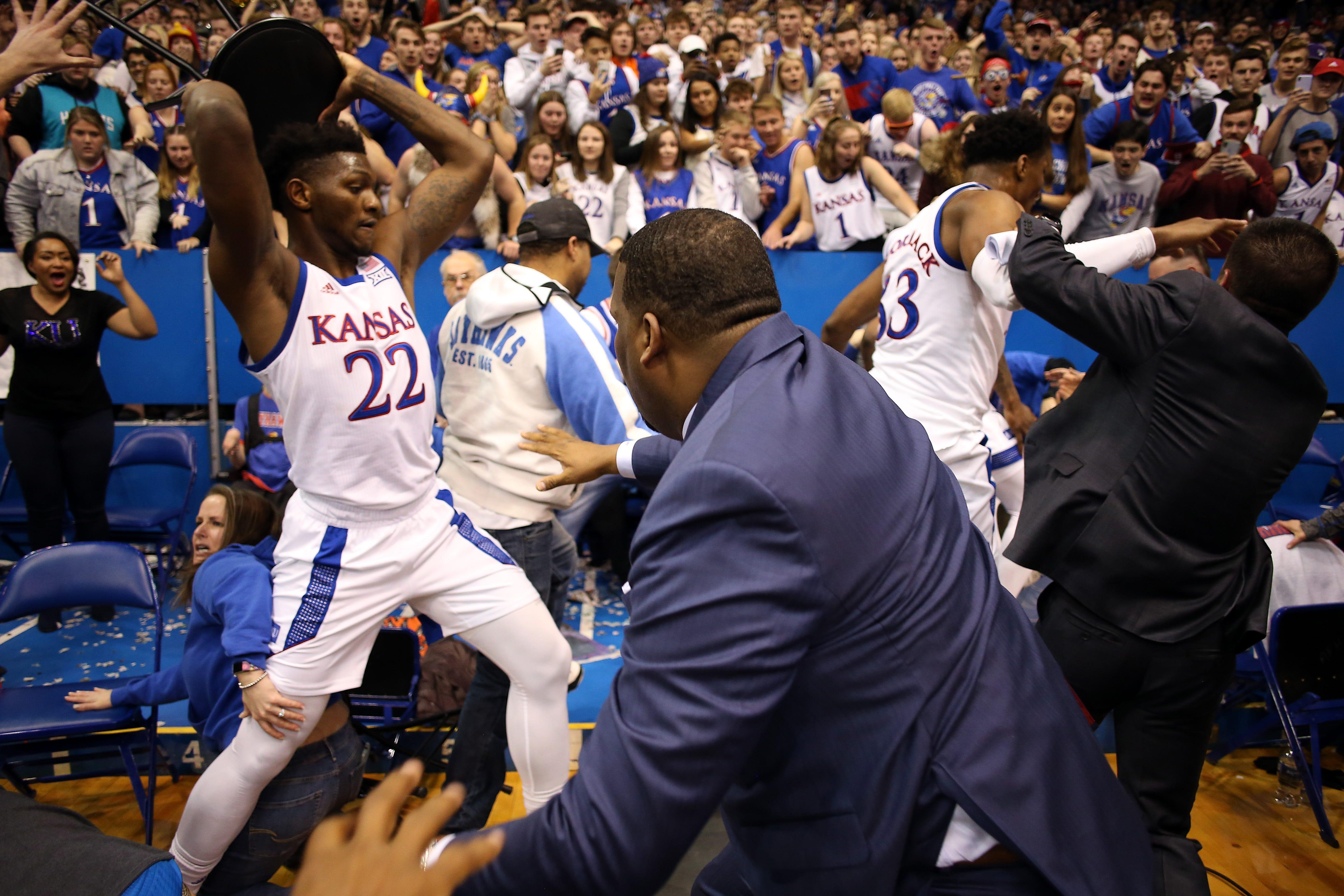 Wild brawl erupts at end of Kansas-Kansas State rivalry game