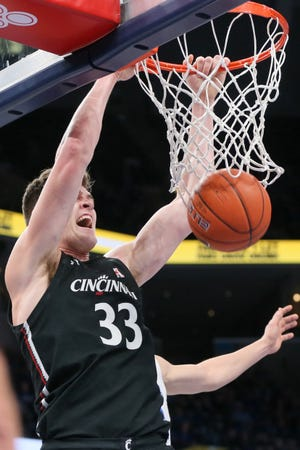 Cincinnati Bearcats center Chris Vogt (33) scored 18 points in a win over the Temple Owls Wednesday.