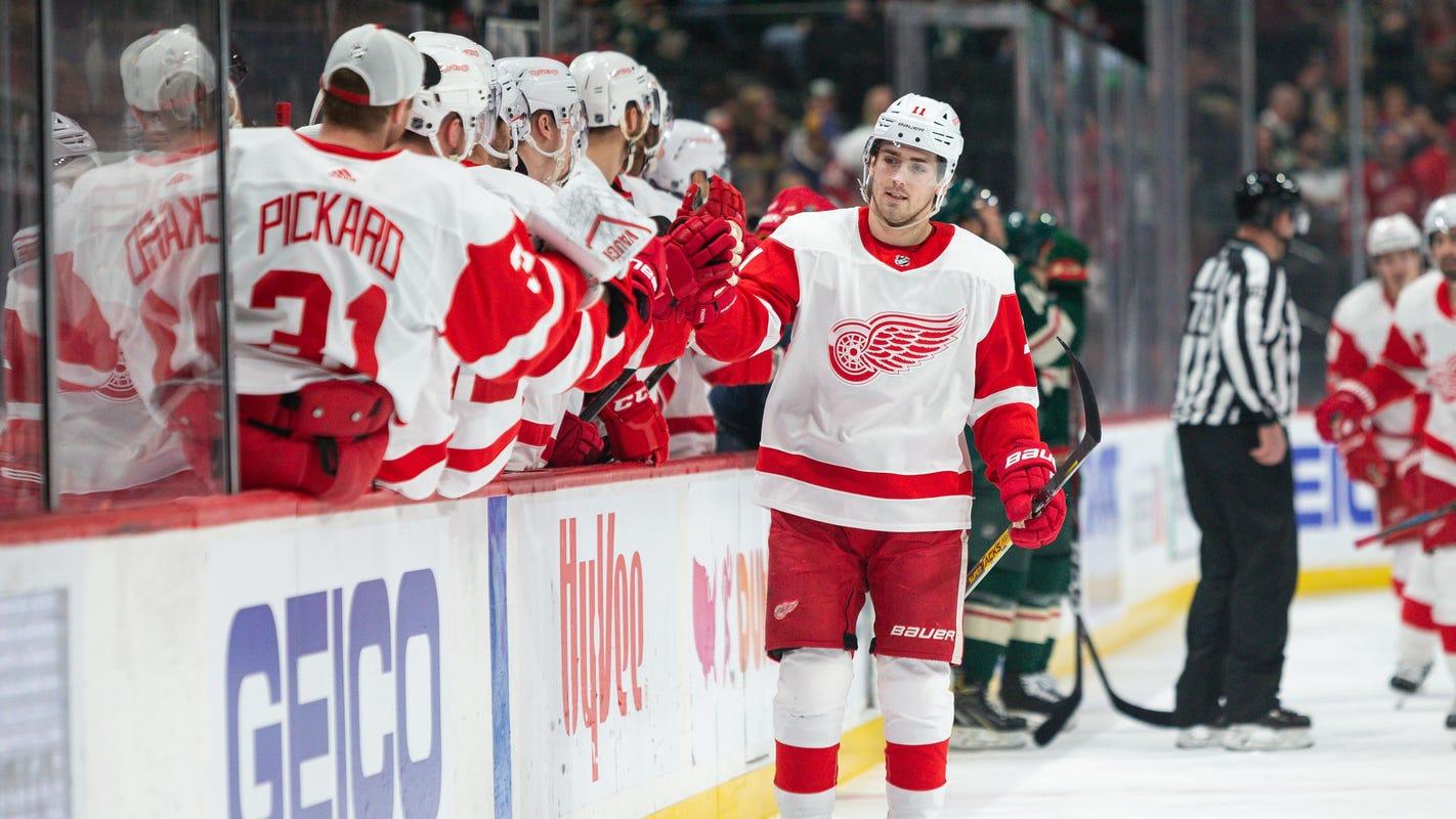 Detroit Red Wings play 'stupid,' Filip Zadina plays smart with Steve Yzerman watching