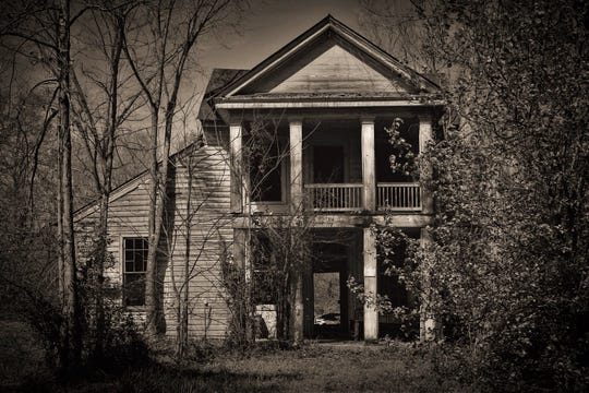"""Nineteenth Century Stagecoach Inn"" was taken in Desoto Parish by photographer Melanie Parent."