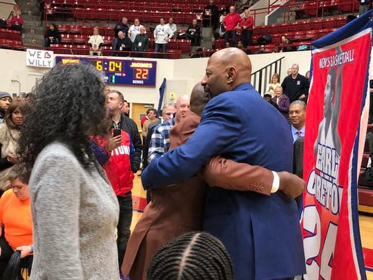 "Detroit Mercy basketball legend Earl ""The Twirl"" Cureton saw his No. 24 retired at Calihan Hall on Thursday night."